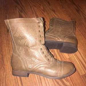 Rampage NWOT Joiner brown & gold combat boot sz 9